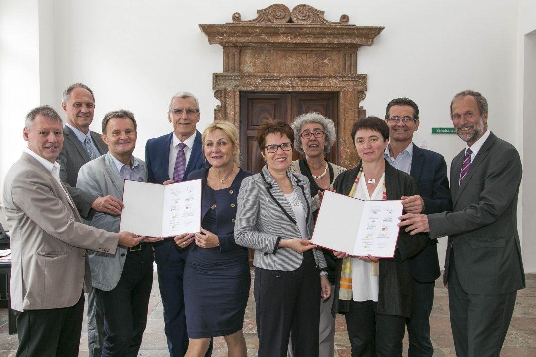 Vertragsunterzeichnung für einheitliche Lehrer/innenausbildung an der Anton Bruckner Privatuniverisität