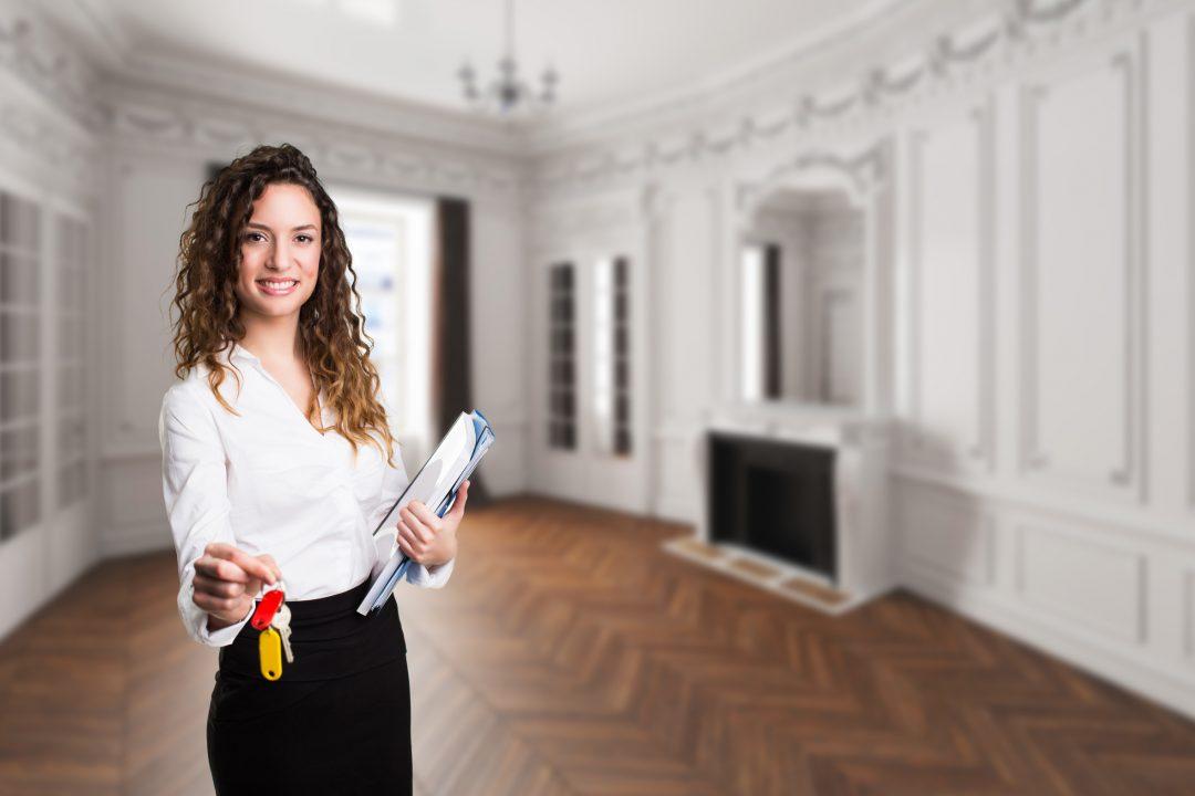 """Erste Absolventen des """"Akademischen Immobilienmanagers/-maklers"""""""
