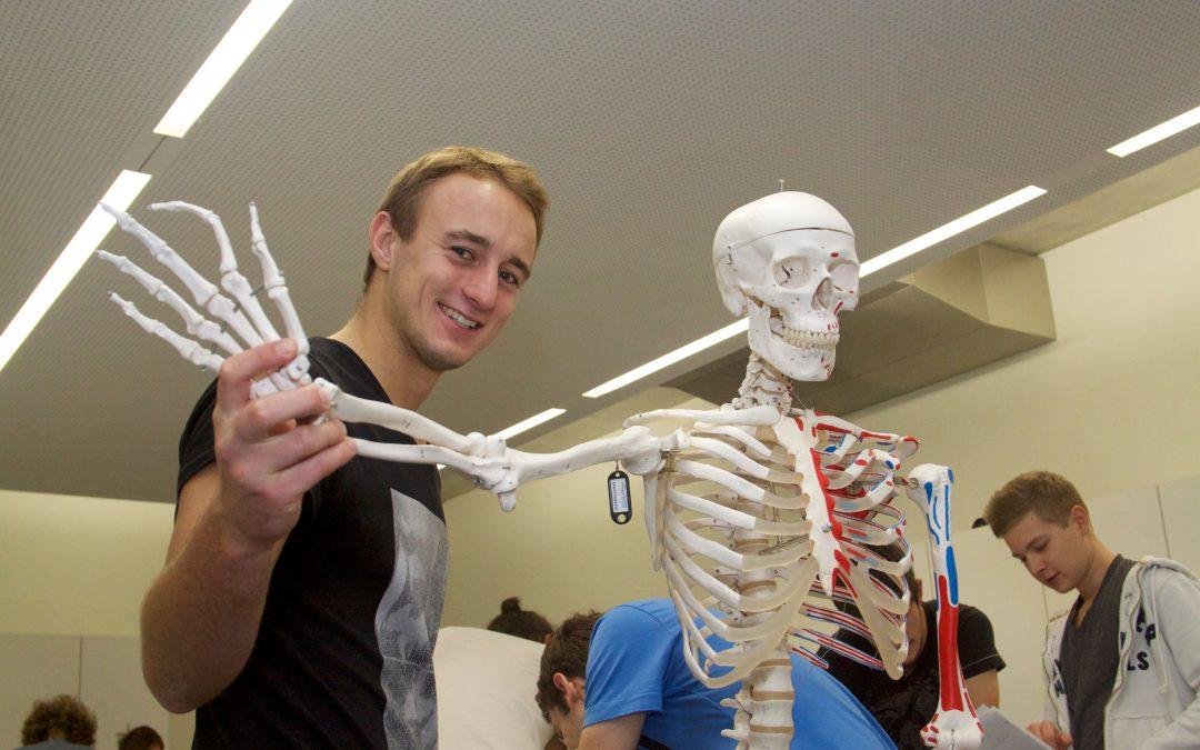 Von der Notaufnahme bis zur Sportmedizin: 60 Kinder besuchten das Universitätsklinikum Krems
