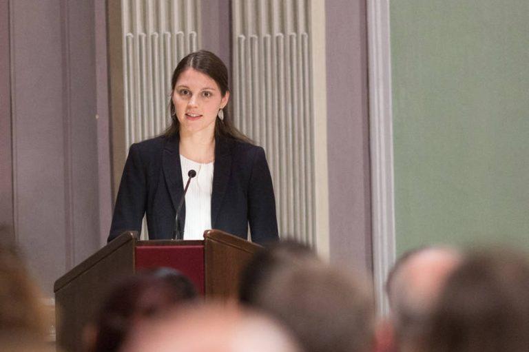 Nachwuchswissenschaftlerin der KU Linz wurde mit Roland Atefie-Preis der ÖAW ausgezeichnet