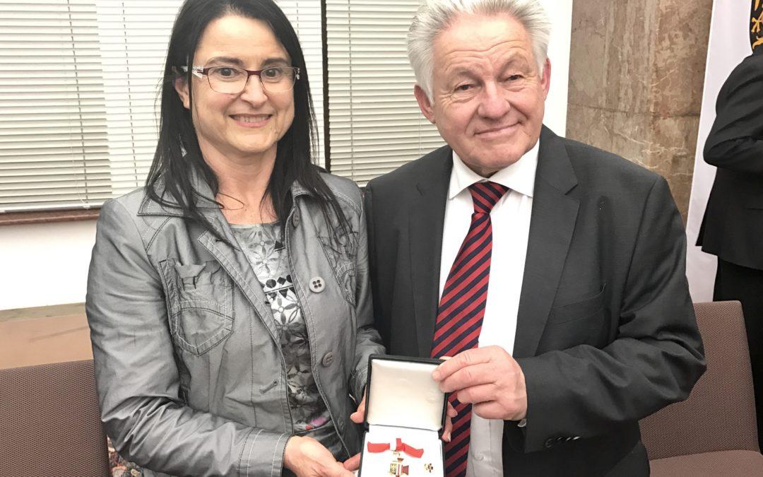 Goldenes Verdienstzeichen des Landes OÖ für Monika Leisch-Kiesl