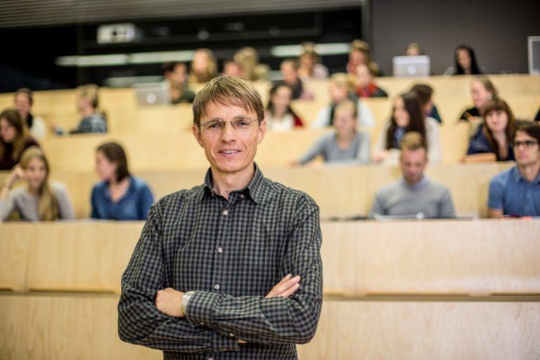 UMIT-Wissenschaftler wurde vom Wissenschafts-ministerium für den Ars Docendi – Staatspreis für exzellente Lehre nominiert