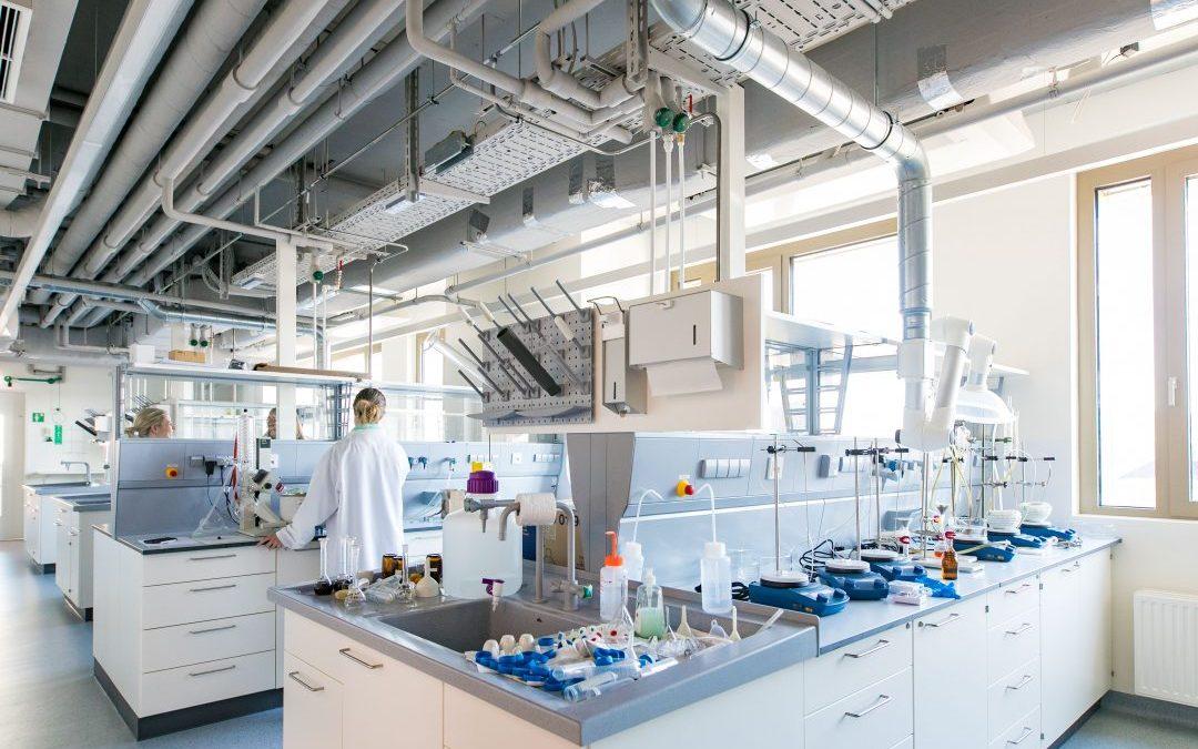 Paracelsus Universität eröffnet Lehr- und Forschungsgebäude am Campus in Salzburg