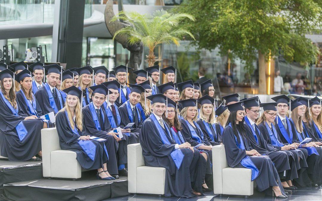 Große akademische Feier für 48 Medizinabsolventen der PMU in Salzburg